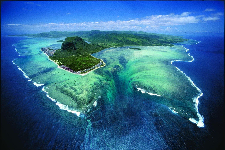 Île Maurice : une incroyable cascade sous-marine