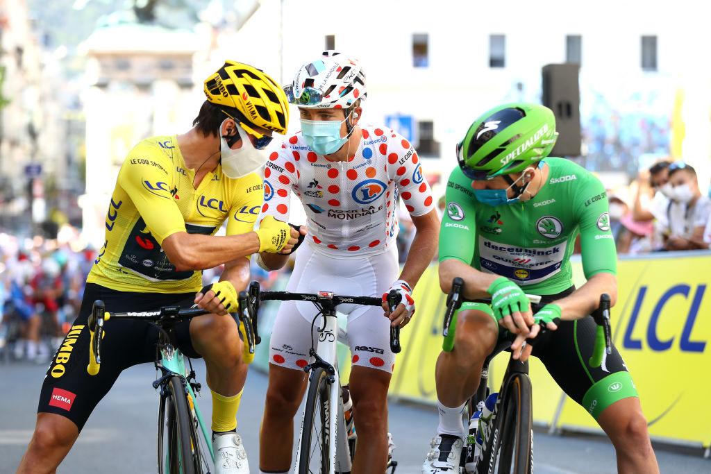 Tour de France : à quoi correspondent les maillots jaune, vert et à pois ?