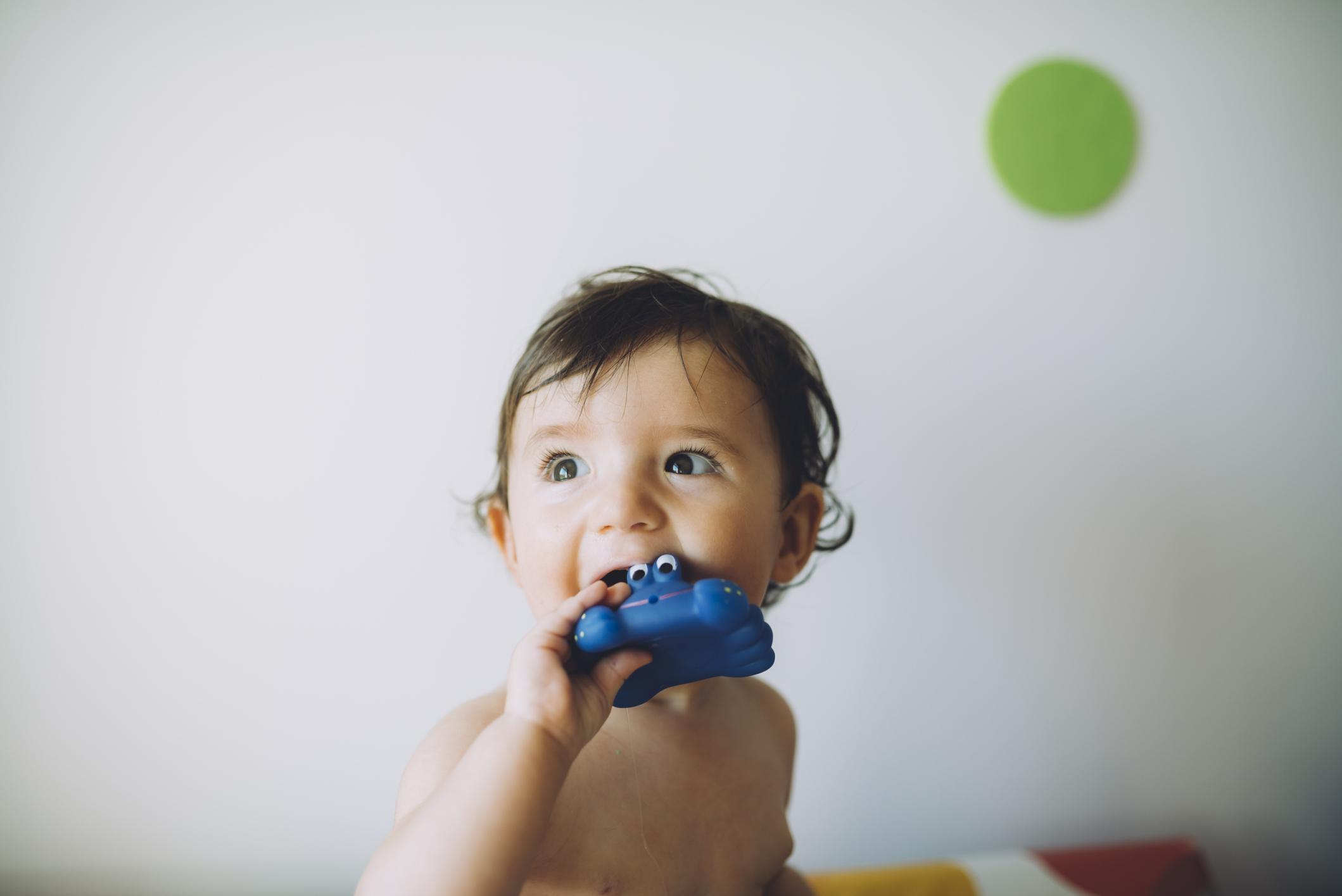 Les bébés plus exposés aux microplastiques que les adultes