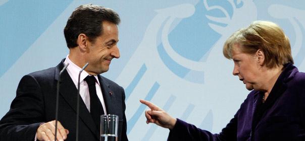 Nicolas Sarkozy et la chancelière allemande Angela Merkel lors d'une conférence de presse à Berlin, le 9 janvier 2012. Crédits : REUTERS.