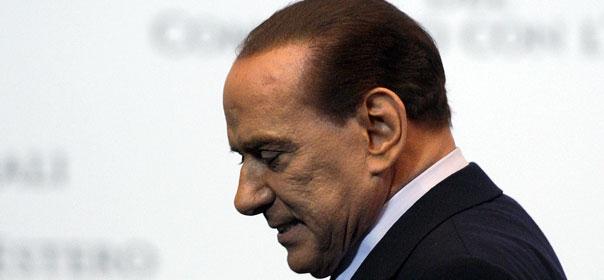 Corruption, violation du secret de l'instruction, recours à la prostitution de mineure... les procès contre Il Cavaliere s'enchaînent. © REUTERS.