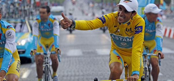 Le cycliste madrilène n'est plus vainqueur du Tour de France 2010, ni du Giro 2011. © REUTERS.