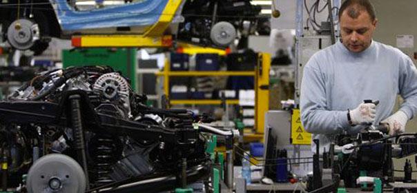 En 2007, une étude estimait le nombre de postes non pourvus à 300 000. Quatre ans plus tard, Nicolas Sarkozy avançait le chiffre de 500 000 emplois vacants. © REUTERS.