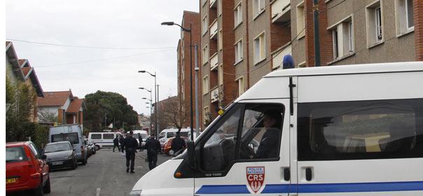 Le tueur présumé s'est retranché dans son logement après que le Raid a tenté de l'arrêter © Reuters