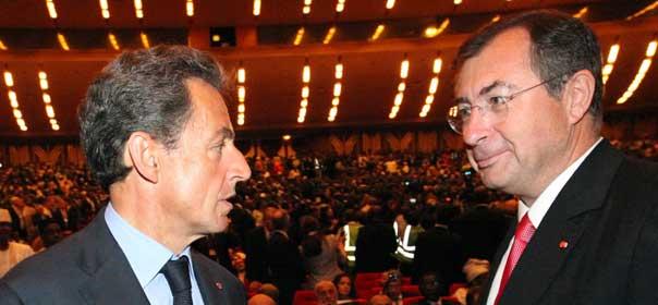 Nicolas Sarkozy avec Martin Bouygues, en mai 2005. © REUTERS