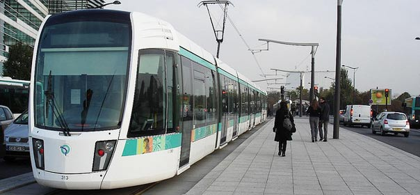 Le tramway T3 de Paris. Image flickR CC license by Kaffeeeinstein