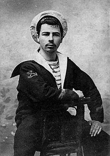 Marin avec tricot rayé, vers 1910 via wikimedia commons