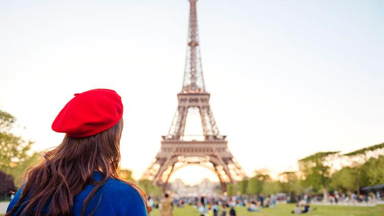 béret, tour Eiffel, France