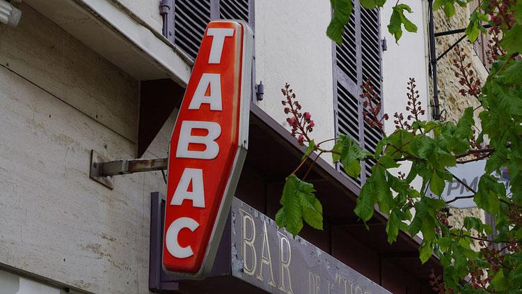 Pourquoi les bureaux de tabac sont-ils signalés par un losange rouge ?