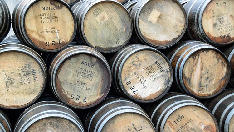 Pourquoi les Américains boivent-ils dans des pots de confiture ?
