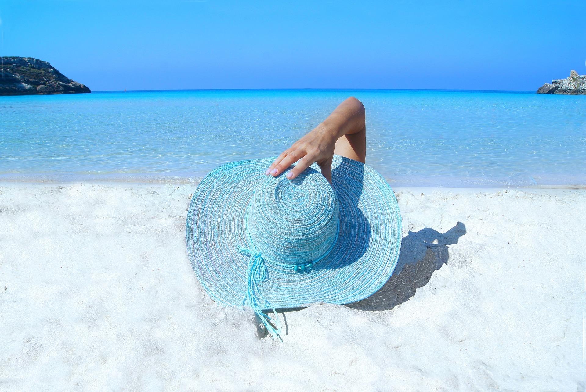 Amour, lecture, sommeil… Découvrir les habitudes des Français en vacances