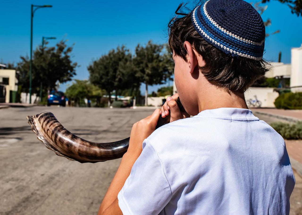 Shana Tova / Roch Hachana : tout savoir sur l'origine et les traditions de cette fête juive