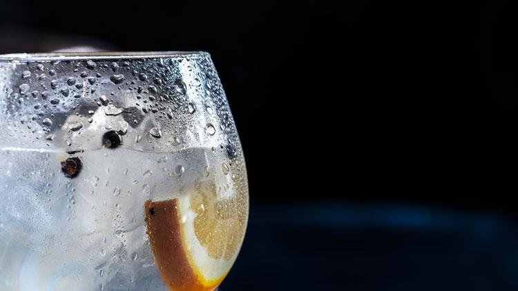 Brûle-t-on des calories en buvant de l'eau glacée ?